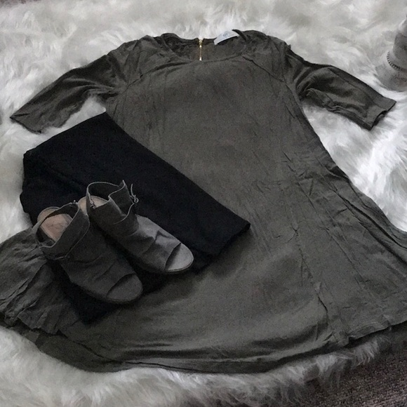 Infinity Raine Dresses & Skirts - Olive 3/4 sleeve dress or long tunic